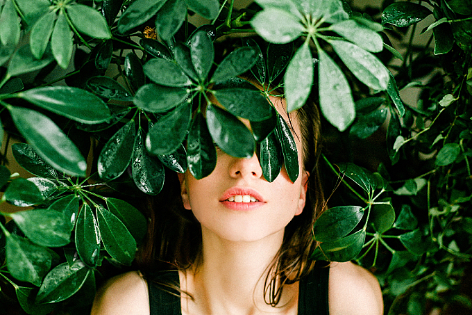 hiding,  woman,  plants,  nature,  people,  model,  fashion,  smile,  white teeth,  lips,  black dress