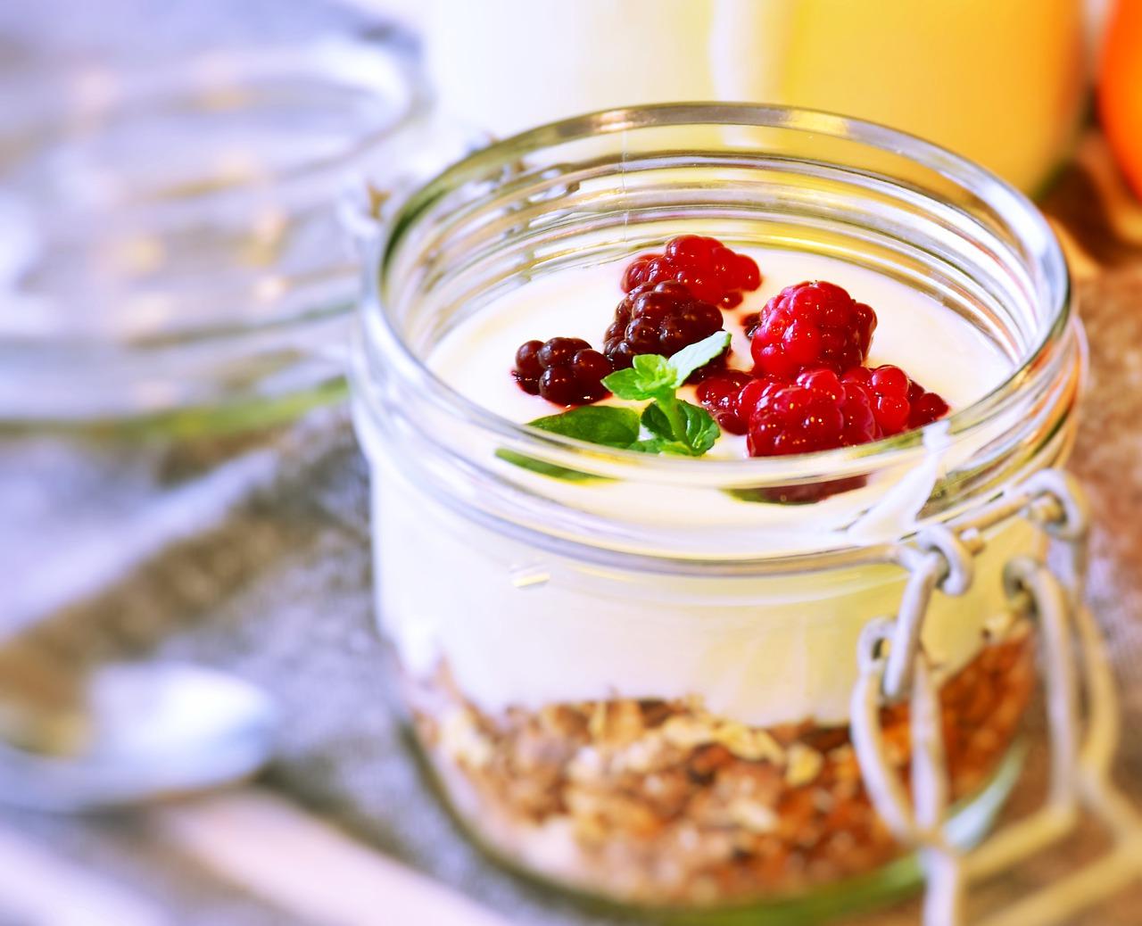 营养早餐, 早餐, 玻璃, 酸奶, 甜点, 浆果, 勺子, 绿色