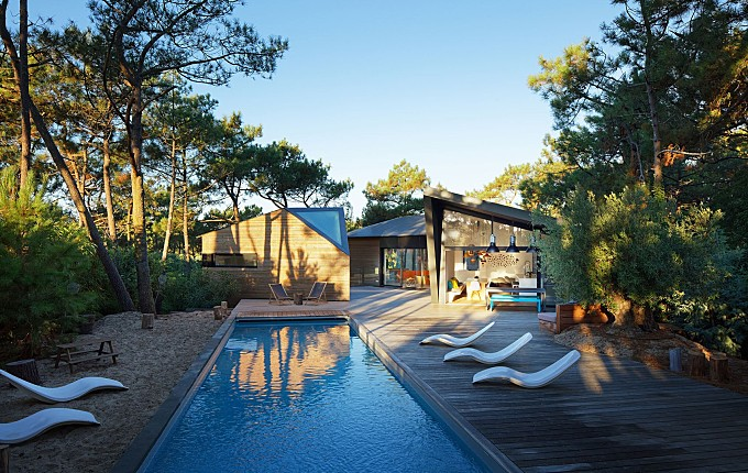 Swimming Pool of the Week: Privacy and Calm in Cap Ferret, France