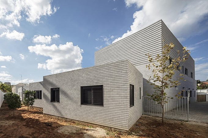 Shelter For Victims Of Domestic Violence / Amos Goldreich Architecture + Jacobs Yaniv Architects