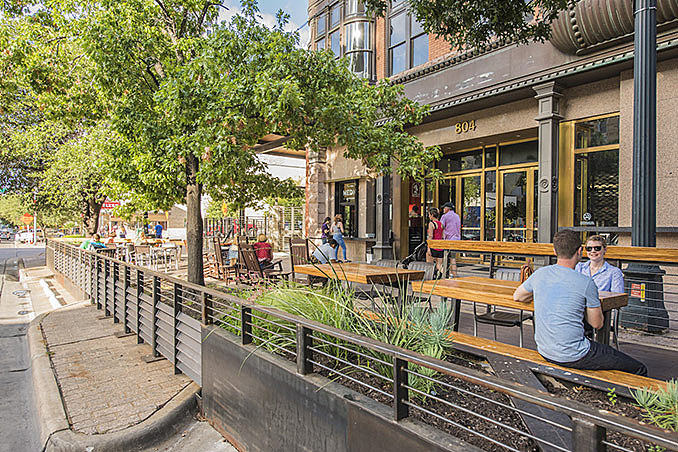 804 Congress – parking spaces transformed into a dynamic patio August 26, 2016,AEDT