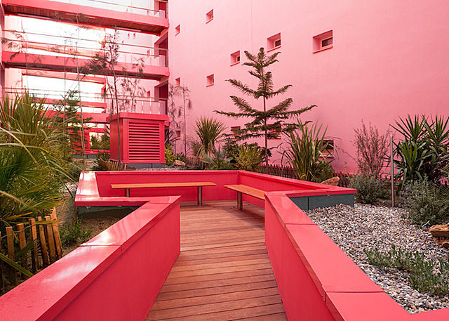 Red Housing by Pietri Architectes