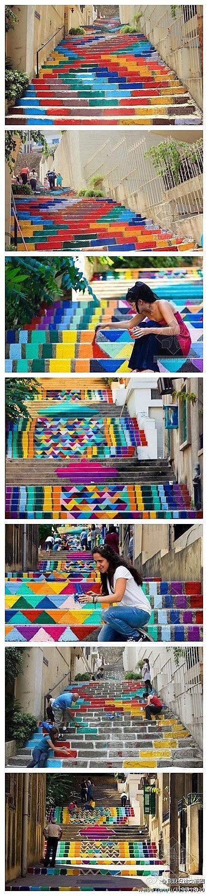 一组由艺术家和设计师组成的团队对贝鲁特市内的台阶进行了美化,在台阶表面涂绘了各种 96 16