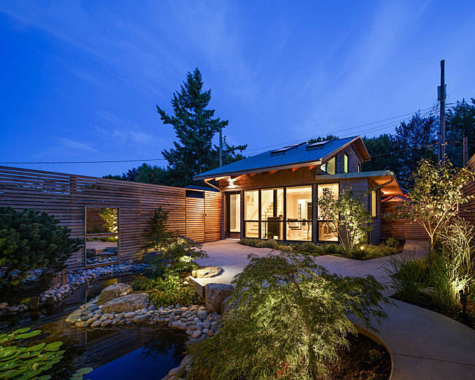 Mid-century Modern by JWT Architecture
