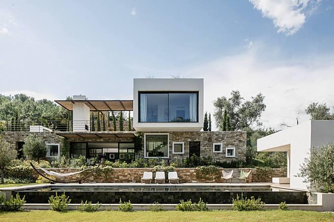 Villa Casa Vara by Caprini & Pellerin Architectes
