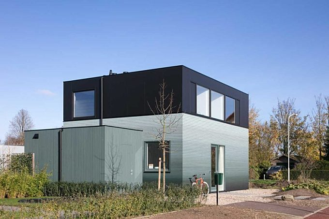 Reset Architecture Designs a Simple DIY House so the Owners Can Build It Themselves
