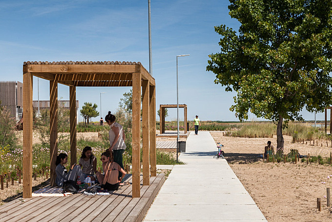 Tagus Linear Park by Topiaris Landscape Architecture