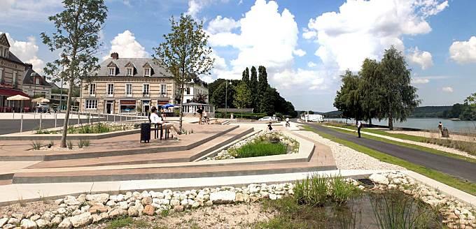 Riverside square of La Mailleraye-sur-Seine by Agence Babylone
