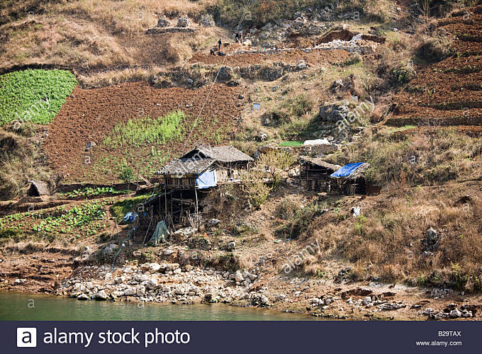 Traditional Chinese home abandoned through Three Gorges Dam project Yangtze River China - Stock Image