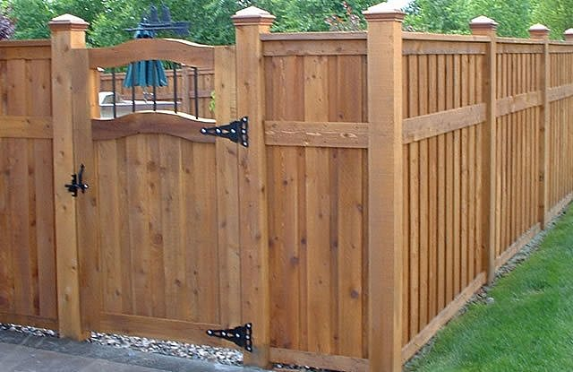 Backyard Fencing Ideas - Landscaping Network