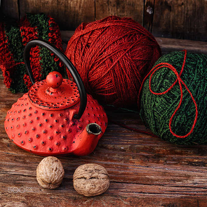 Kettle and knitting
