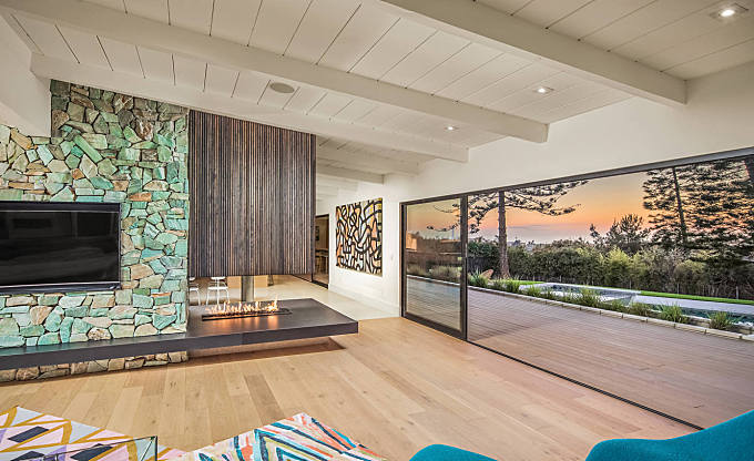 Ranch-Style Home by Dasmod Real Estate Developments