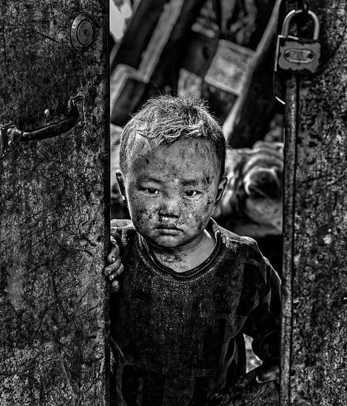 PORTRAITS OF SICHUAN - 40290BW