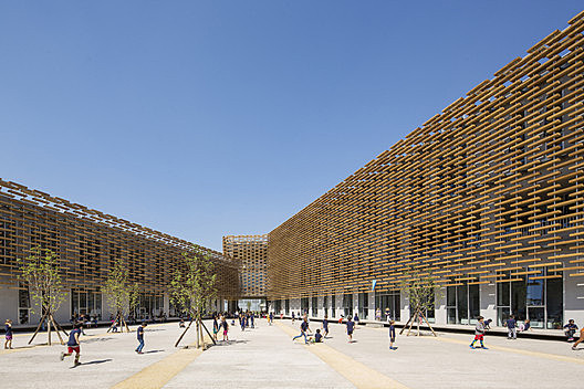 The French International School of Beijing / Jacques Ferrier Architecture
