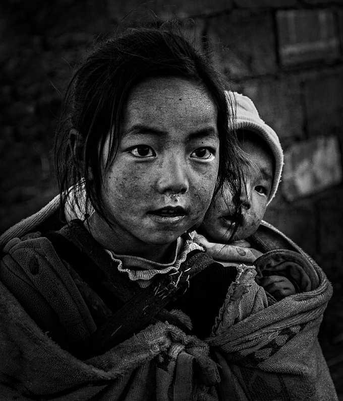 PORTRAIT OF SICHUAN - 40867BW