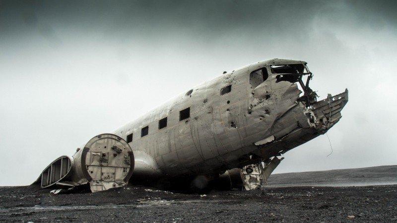 airplane plane wreck damaged
