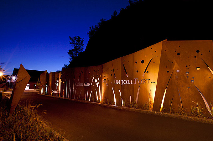 Cap-Rouge Memory Wall by Plania Landscape Architecture