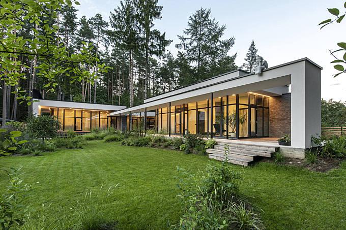 Bridge House by Architecture Laboratory